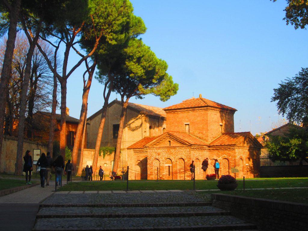 Galla Placidia mauzoliejus Ravenoje. E. Mažalskaitės Parma nuotr.