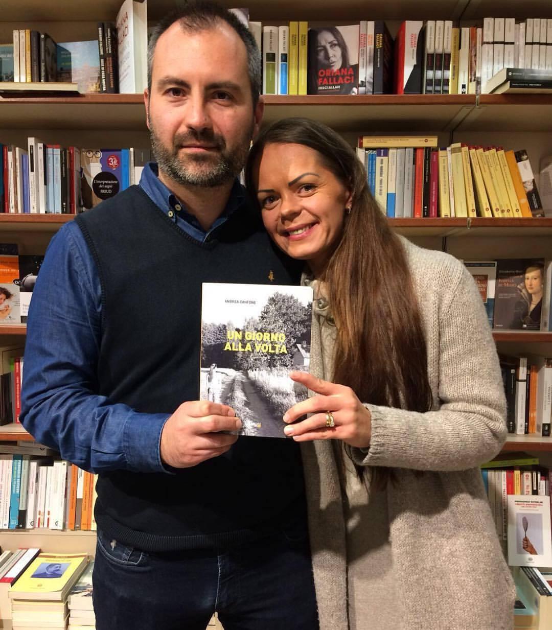 """Savo lietuvės žmonos istorijos įkvėptas A. Cantone išleido knygą """"Un giorno alla volta"""" (liet. """"Diena po dienos""""). Asmeninio archyvo nuotr,."""