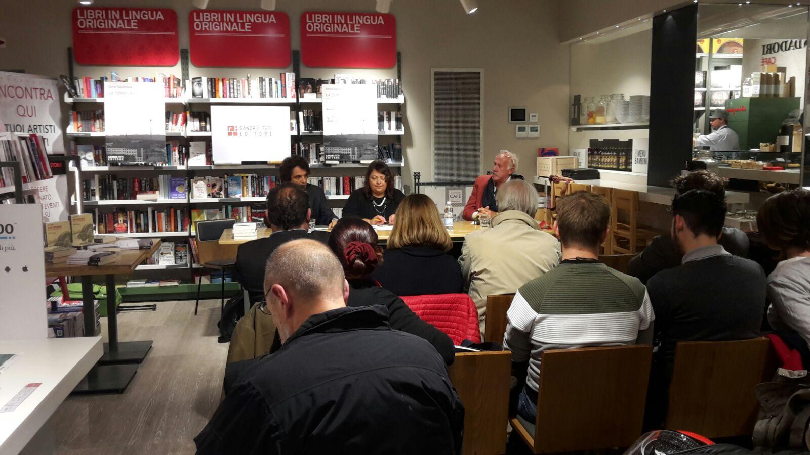 Į G.Sapožnikovos knygos pristatymą susirinko apie 20 žmonių